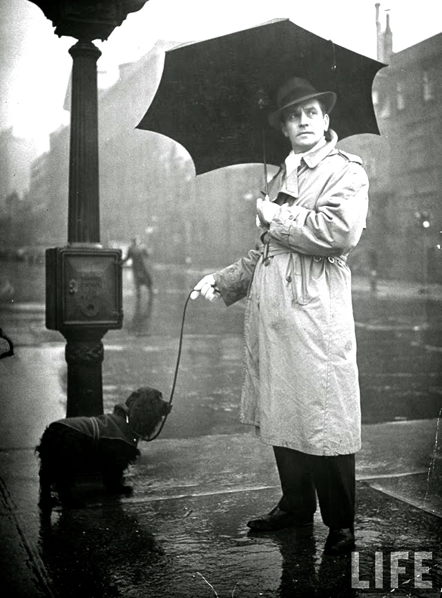 Famous People with Their Dogs on the Street of NYC in 1944 (23)