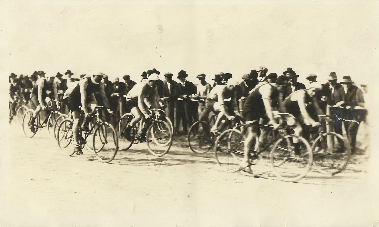Early bicycle race edit